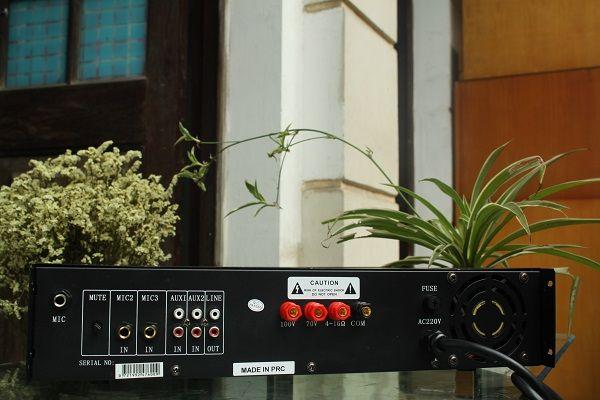 Mặt sau amply TOA DB LP 280F chính hãng DB