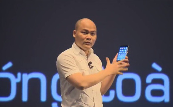 Microphone TOA YP-M5310đa hướng trong buổi ra mắt điện thoại