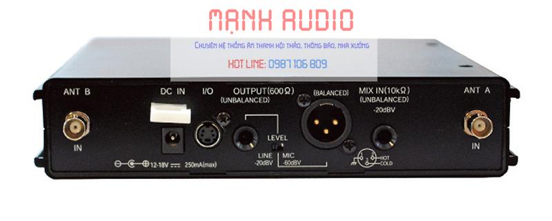 Mặt sau khối thu không dây TOA WT-5805 F01