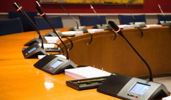 Hệ thống âm thanh hội thảo không dây cho các hội nghị cao cấp