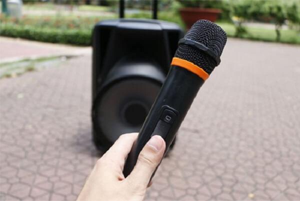 Tình trạng loa kẹo kéo karaoke không kết nối được micro